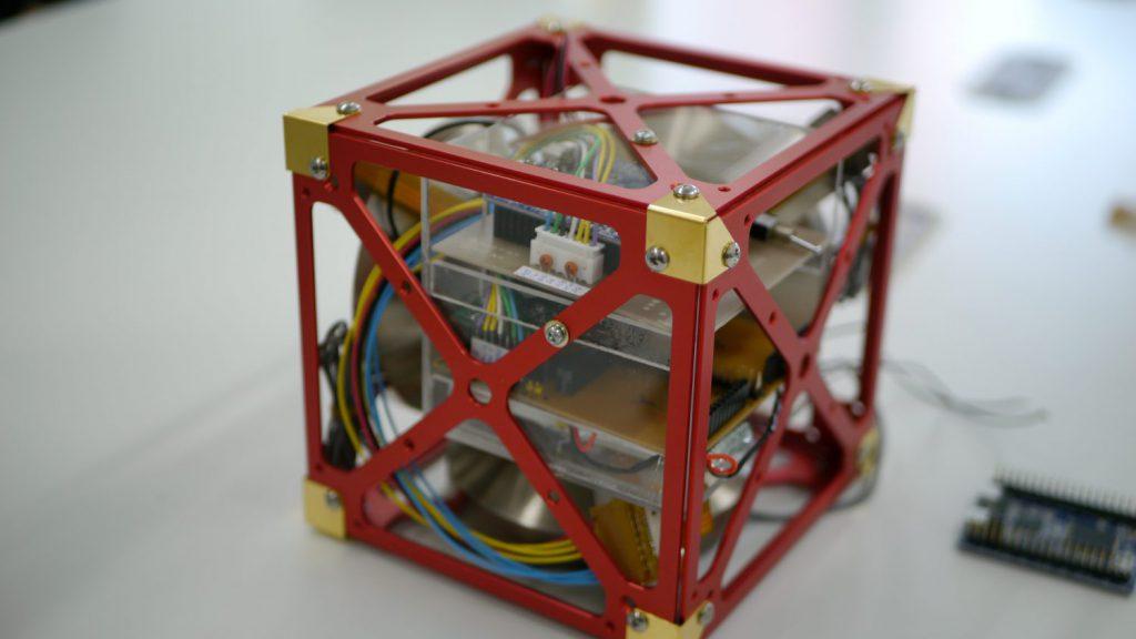 3軸姿勢制御モジュール外観
